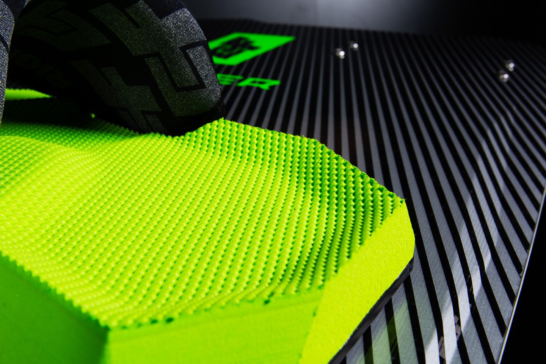 http://vetrosnab.com/wp-content/uploads/2019/08/2020-raptor-ltd-neon-10.jpg